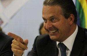 Durante protestos no Recife Governador faz visita ao interior