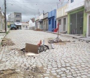 """""""Estamos esquecidos"""" diz morador do São Pedro"""