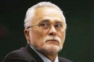 Genoino renuncia ao mandato de deputado federal para evitar cassação