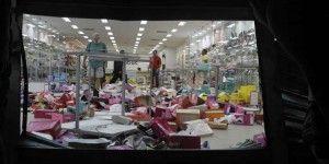 Estado da loja de sapatos após ser invadida