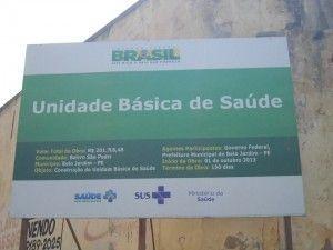 Obra fantasma? Placa indica construção de posto de saúde no São Pedro, moradores não sabem onde está a obra