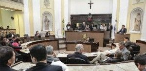 Mesa diretora da Assembleia Legislativa decide demitir 245 comissionados