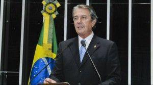 """""""A senhora foi legitimamente eleita, mas eu também fui"""", diz Collor a Dilma"""