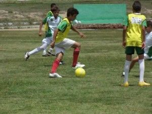 Escolinha do Calango abre inscrições para 180 meninos de 13 a 20 anos