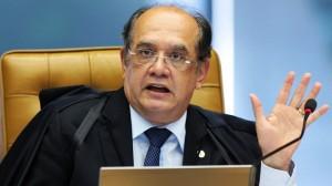 Mendes vota a favor de recurso pela impugnação de Dilma