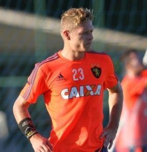 No Sport, Marlone está atento a maior arma do Atlético-PR: o contra-ataque