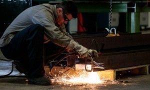 Em crise, indústria prevê fechamento de mais de 610 mil vagas neste ano