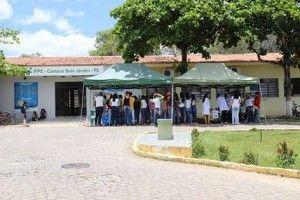 Estudantes do curso técnico de enfermagem realizam feira de saúde