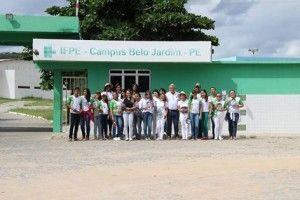 Alunos e professores do IFPE se mobilizam contra o mosquito Aedes Eagypti.