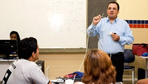 Professores e servidores federais receberão reajuste salarial de 10,77%