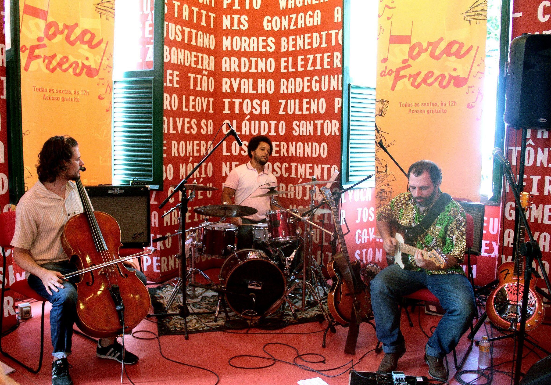Instrumental: Trio Freveribe lança CD com mini turnê em Pernambuco