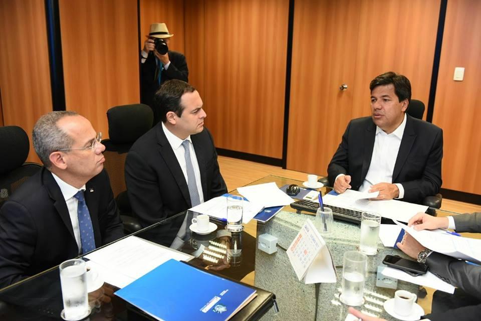 Ministro recebe governador de Pernambuco para discutir parcerias