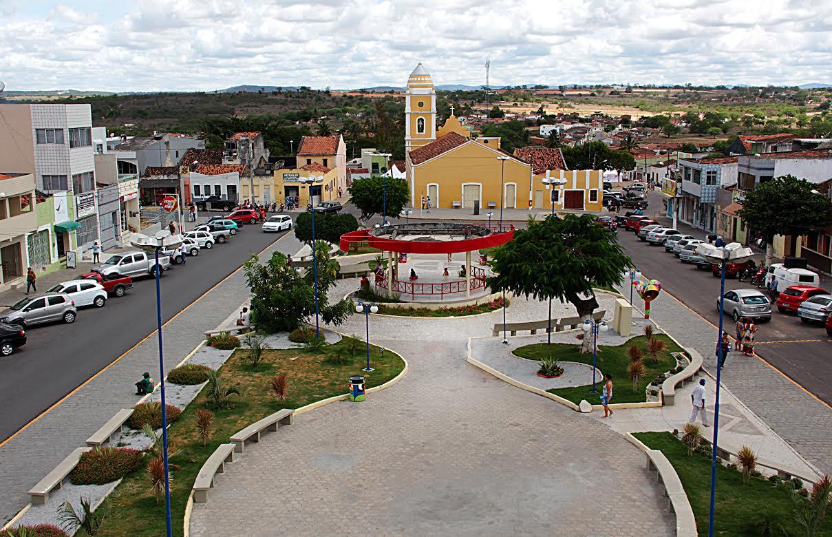 Dupla é presa após assaltar loteiro em São Bento do Una, no Agreste