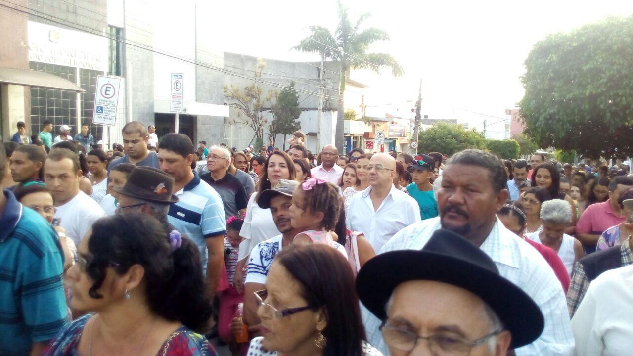 Andréa Mendonça e autoridades participaram da Procissão de São Sebastião em BJ
