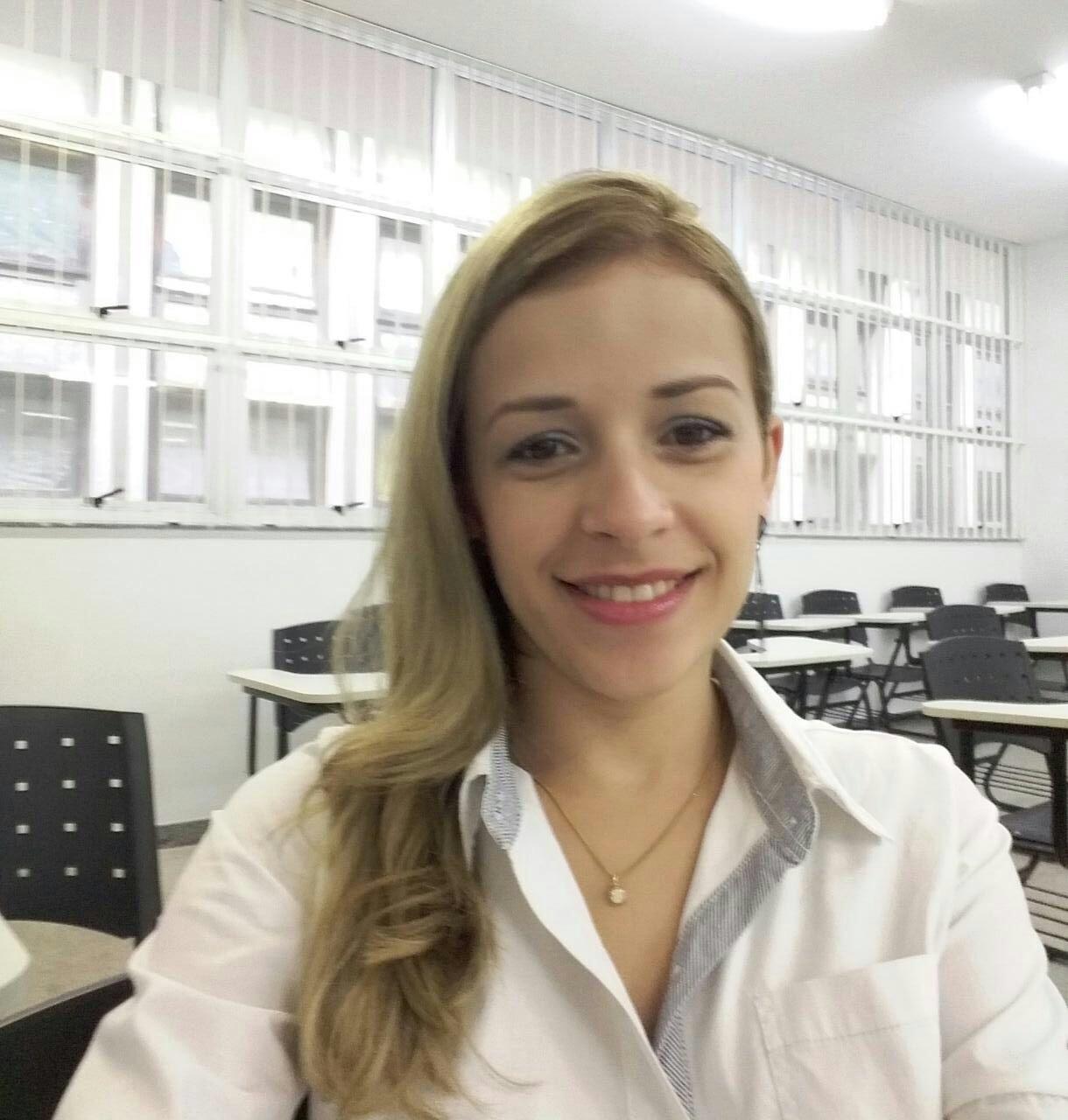 Aline Valério Chaves é de BJ e é estudante de direito