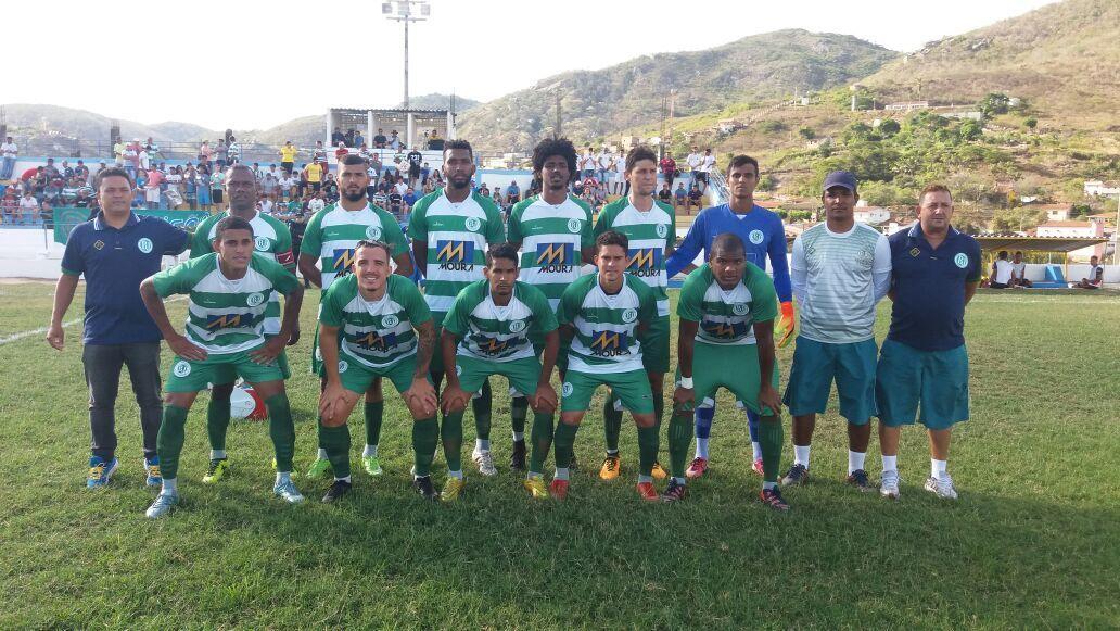 Calango marca no fim e fica no empate com o Flamengo de Arcoverde