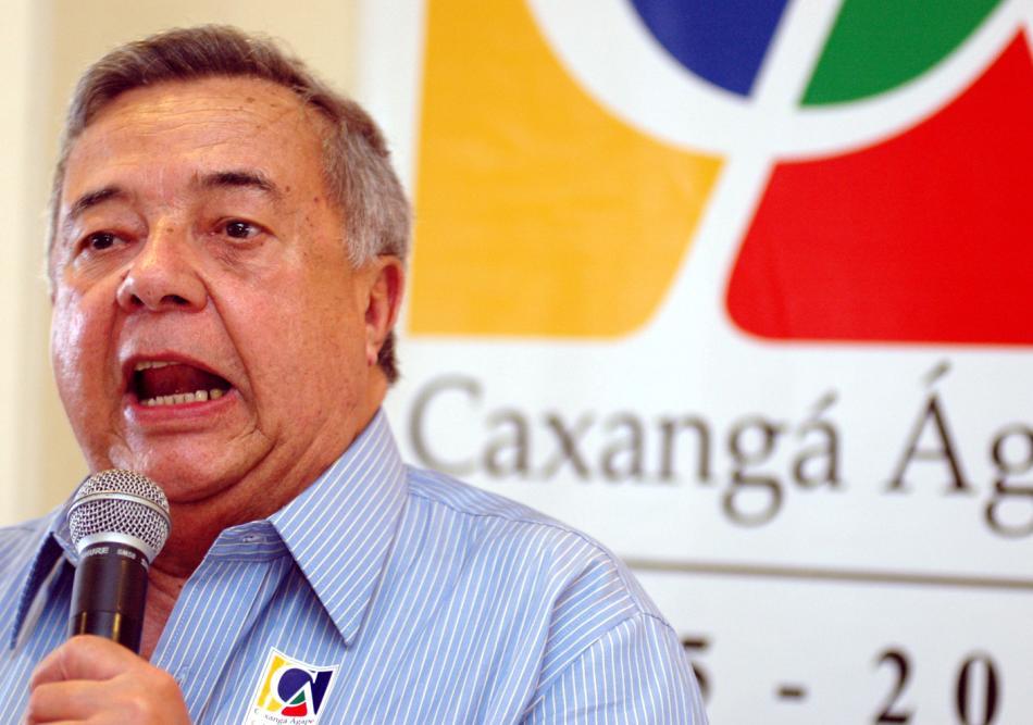 Ex-deputado José Mendonça recebe homenagem com selo dos Correios