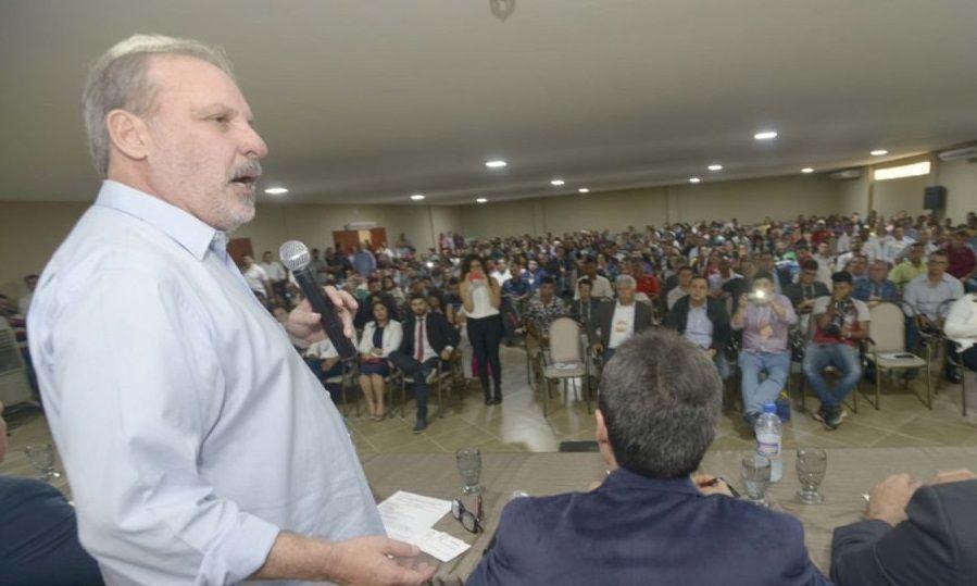 Congresso reúne senador, deputados, prefeitos e vereadores em Belo Jardim