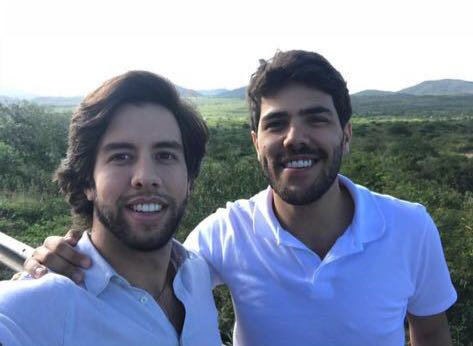 Vinícius e Rodrigo Mota têm alta de hospital após acidente de carro