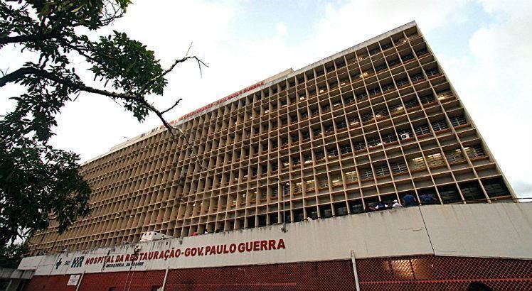 Ele foi transferido para o Hospital da Restauração, na área central do Recife / Foto: Diego Nigro/JC Imagem