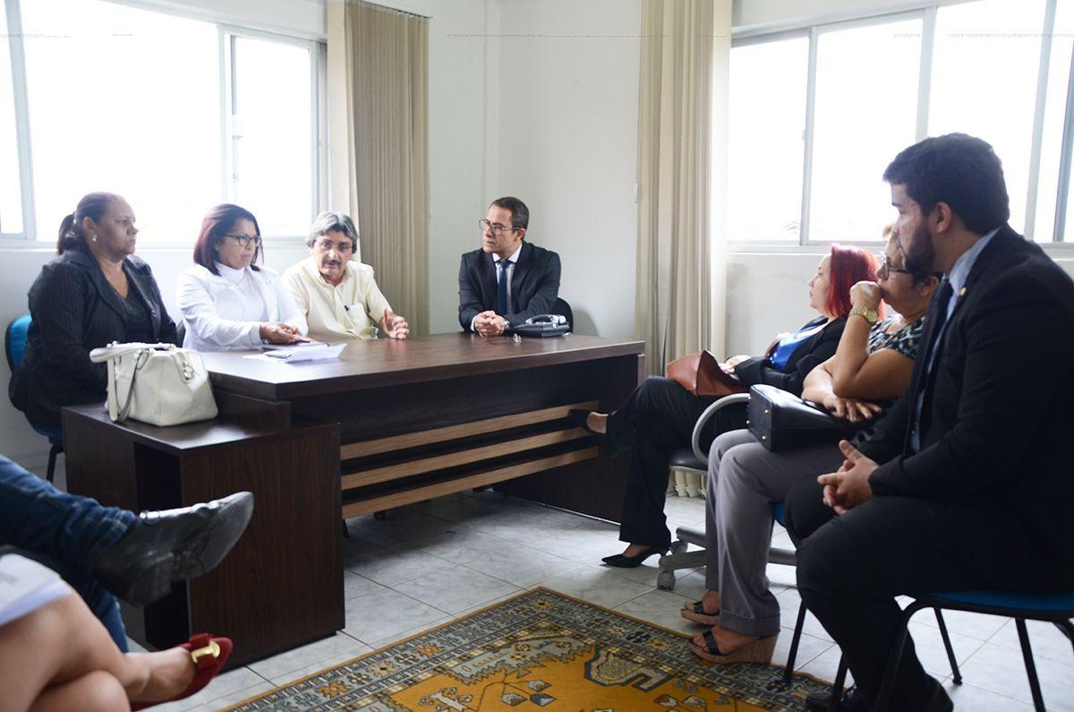 No dia 30 de maio de 2017, o prefeito interino, Gilvandro Estrela realizou  a 1ª reunião fechada com o sindicato para apresentação da proposta da prefeitura. Foto: Arquivo / BJ1