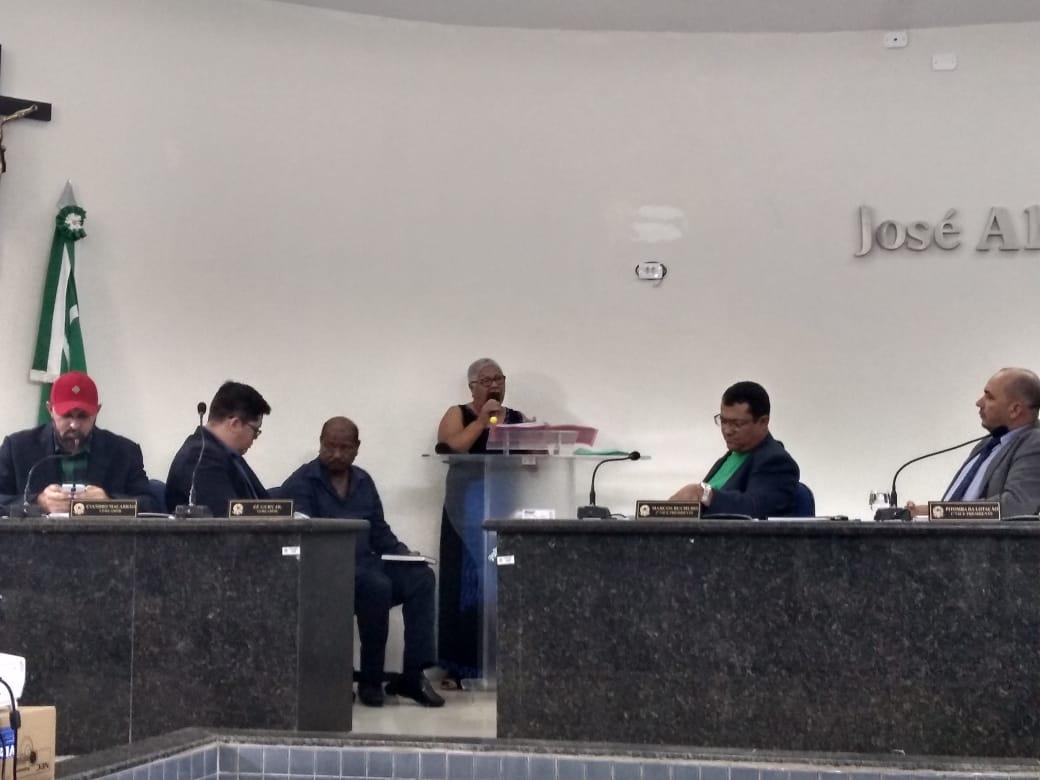Sindicato vai a Câmara de Vereadores e denuncia dificuldades financeiras da Autarquia Educacional de Belo Jardim