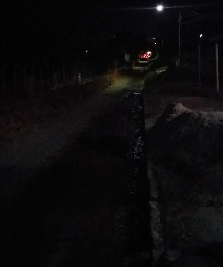Moradores denunciam escuridão no acesso da Vila da Barragem
