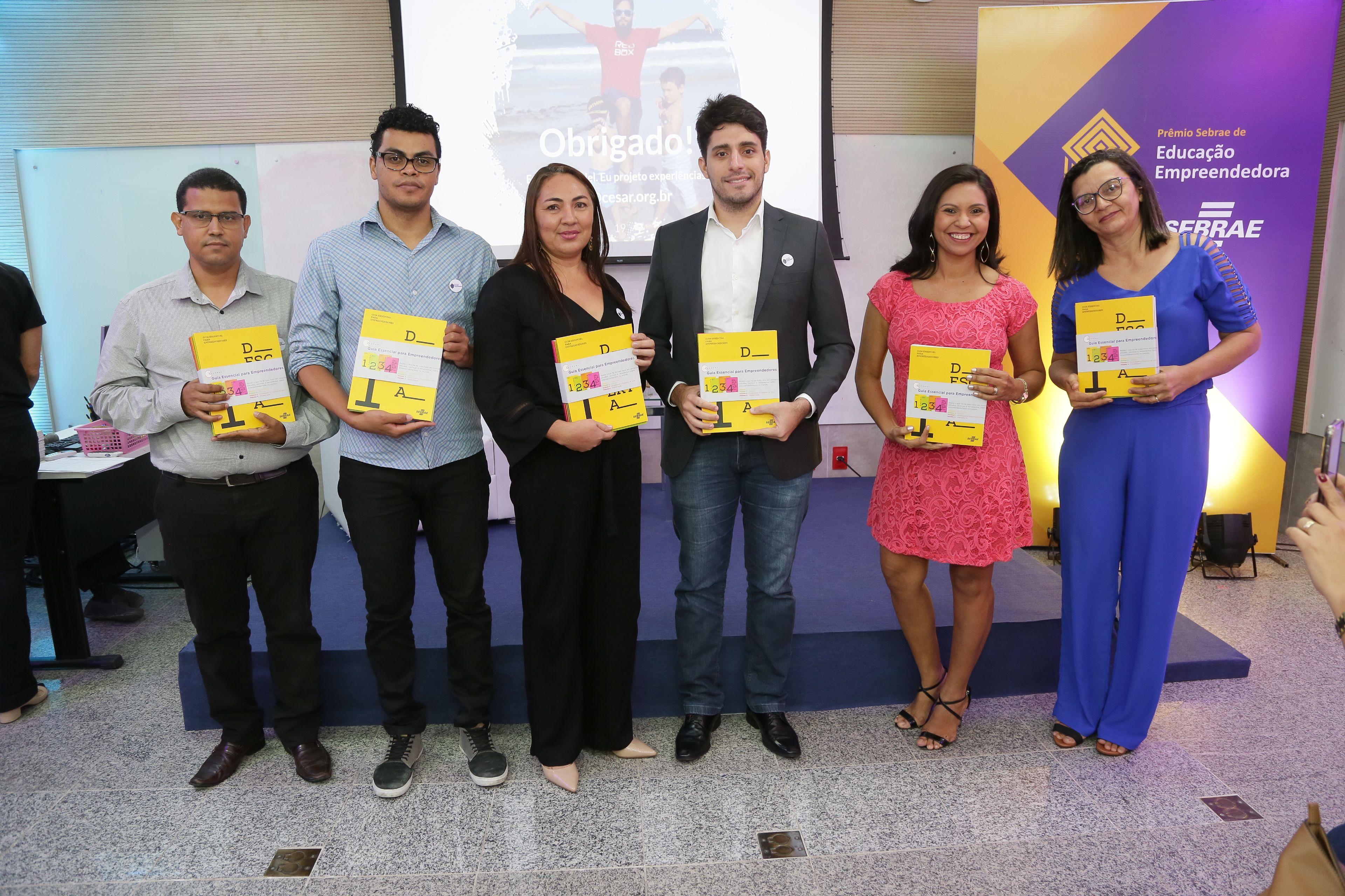Escola de Tacaimbó recebe prêmio estadual de educação empreendedora