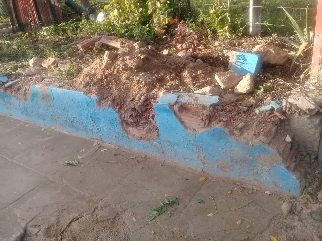 Líder comunitário denuncia danos à praça durante obras de saneamento na zona rural de Belo Jardim