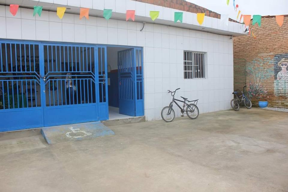 Escola Municipal de BJ funciona de forma improvisada e com problemas estruturais