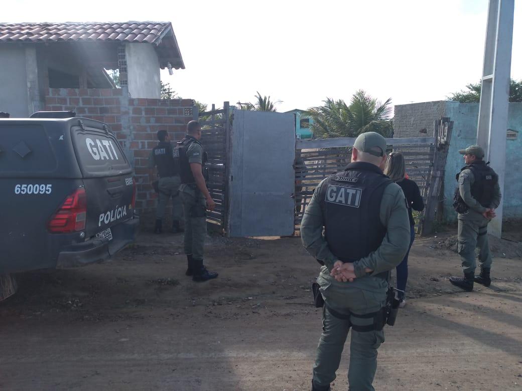 Polícia Militar retira invasores de terreno do Belo Jardim FC