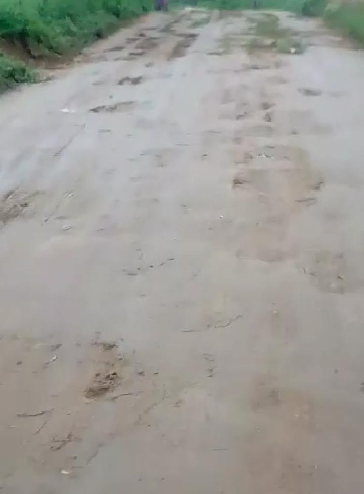 Moradores denunciam precariedade da estrada de Água Fria