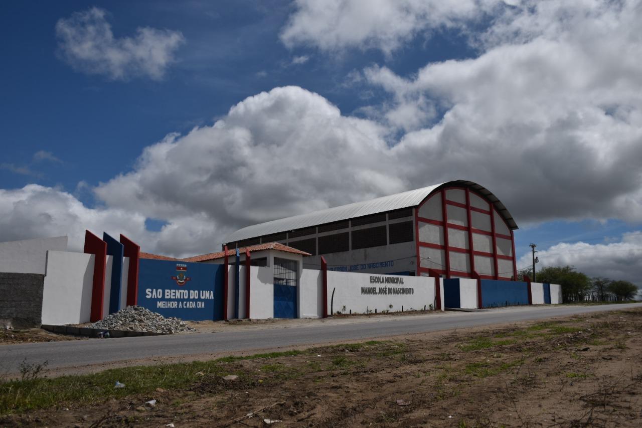 Prefeitura de São Bento do Una entrega escola com investimento de mais de R$ 1 milhão