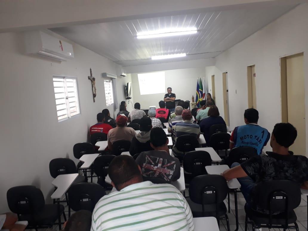 """Cumpridores de penas alternativas de Belo Jardim participam de encontro sobre """"Trânsito Seguro"""""""