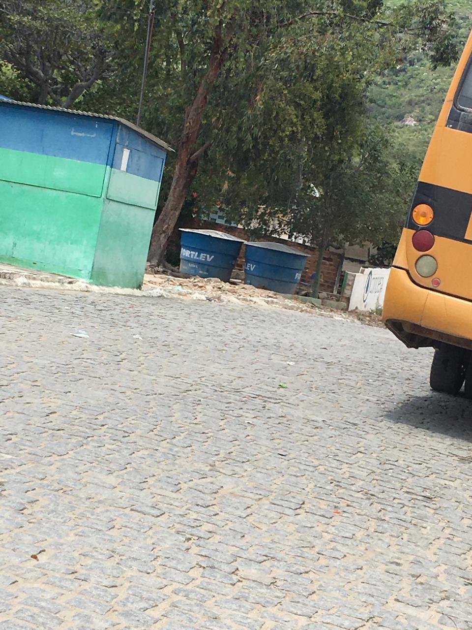 Escola de Xucuru continua sem segurança depois de queda de muro da unidade