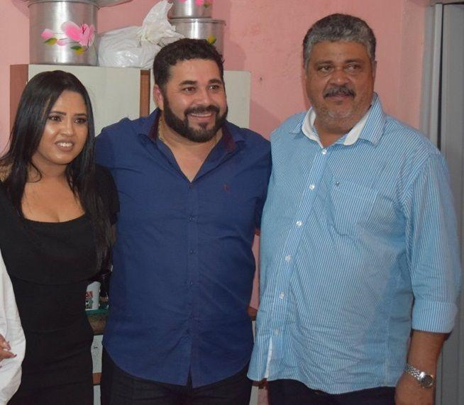 Vereador da base do governo sugere  afastamento do prefeito Hélio dos Terrenos