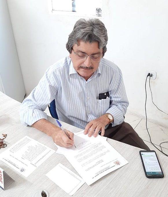 Gilvandro Estrela apresenta projeto que dá prioridade ao pagamento de servidores da prefeitura
