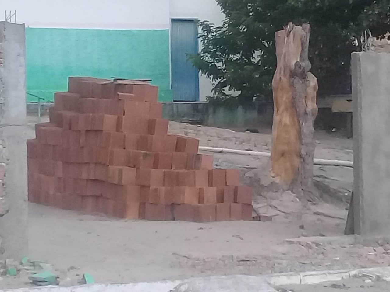 Escola de Xucuru está sem portão após queda de muro
