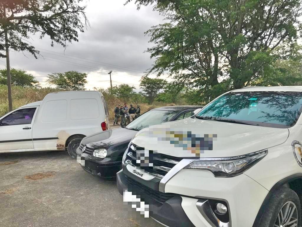 PRF apreende em Caruaru carros com débitos superiores a R$19 mil