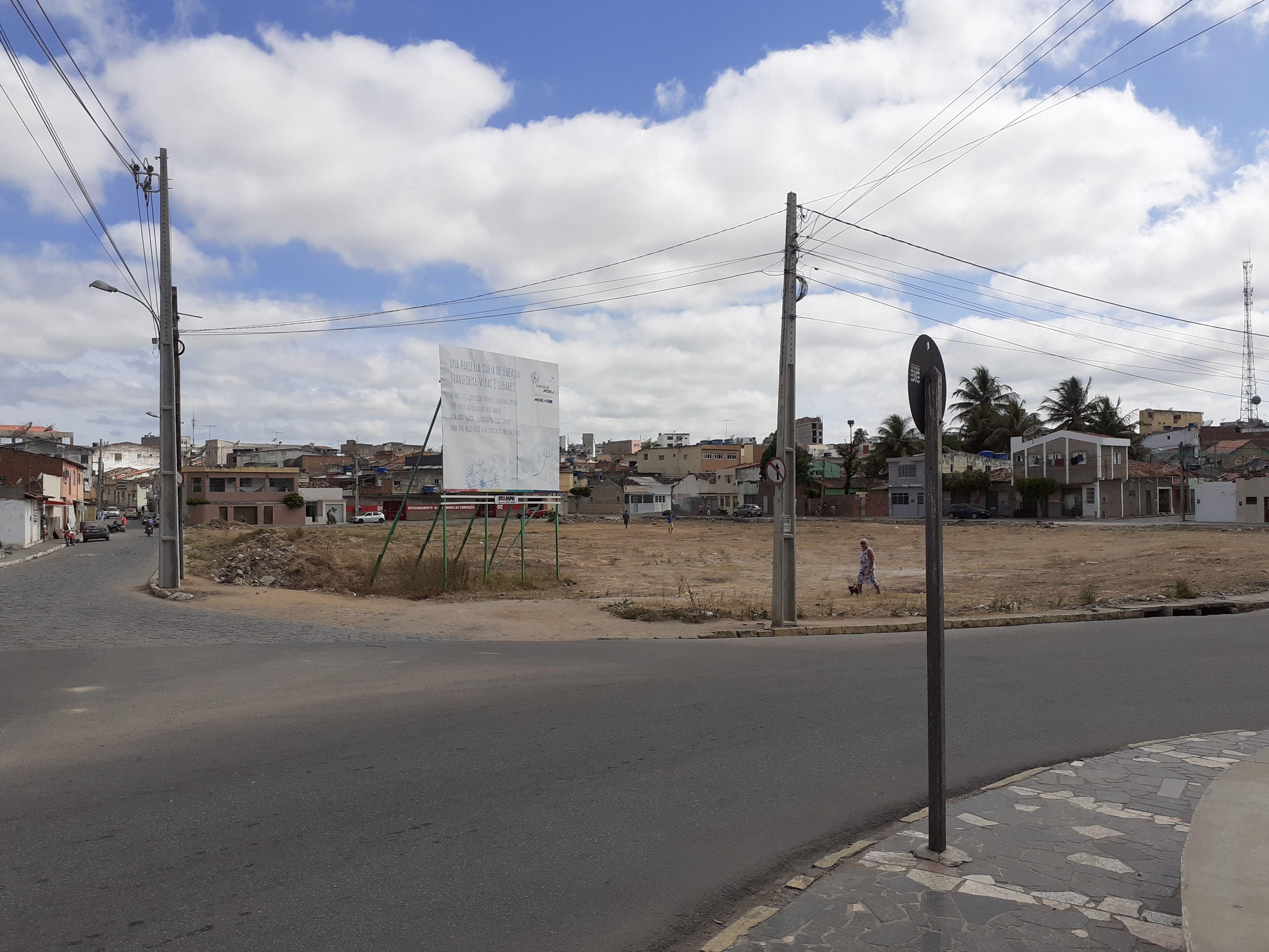 Moura vai construir Praça no centro de Belo Jardim