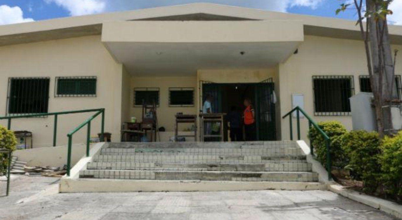 Mulher é detida ao tentar entregar drogas ao filho em cadeia de Garanhuns
