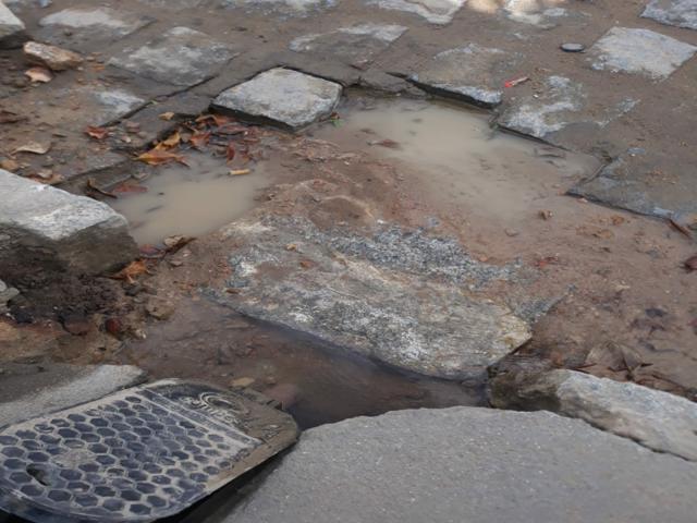 Morador denuncia desperdício de água no Santo Antônio