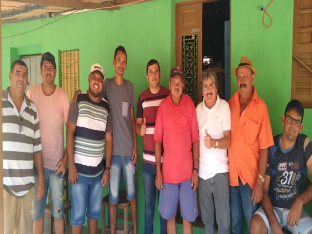 Gilvandro visita amigos e conversa com moradores na zona rural