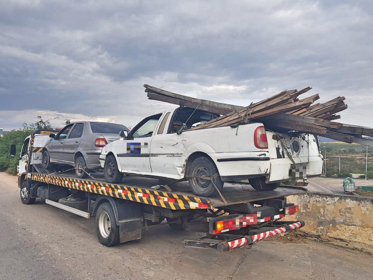 Operação Trânsito Integrado recolhe 21 veículos irregulares em Caruaru