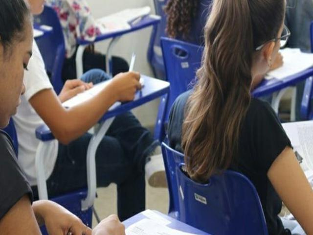 Após denúncia, Secretaria de Educação recua e antecipa o início das aulas
