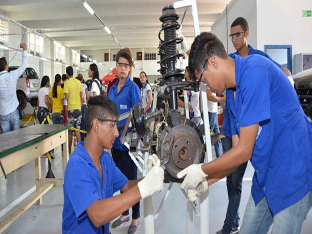 Procura por formação técnica no SENAI Pernambuco aumenta mais de 65%