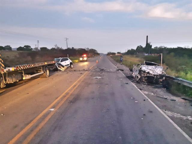 Três pessoas morrem em colisão registrada em Agrestina