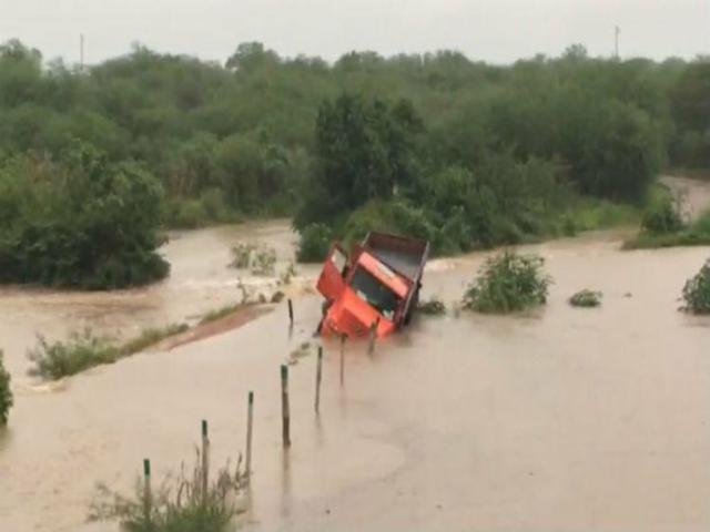 Fortes chuvas causam transtornos no Sertão pernambucano