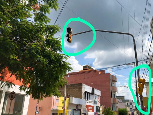 Semáforo quebrado no centro de Belo Jardim gera reclamação