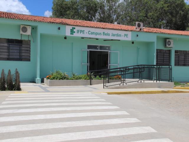 Coronavírus: IFPE tem aulas suspensas. Rede estadual, municipal, particular e a AEB decidem hoje